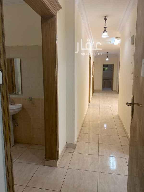 شقة للإيجار في شارع عبدالله بن شايق ، حي قرطبة ، الرياض ، الرياض
