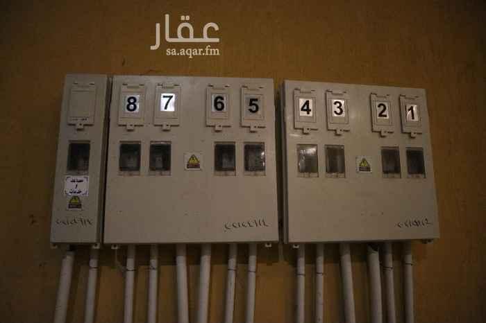 شقة للبيع في حي ، شارع يوسف بن عبدالعزيز اللخمي ، حي شوران ، المدينة المنورة ، المدينة المنورة
