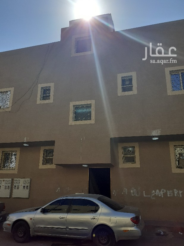 عمارة للبيع في شارع حفص بن عمرو ، حي عتيقة ، الرياض