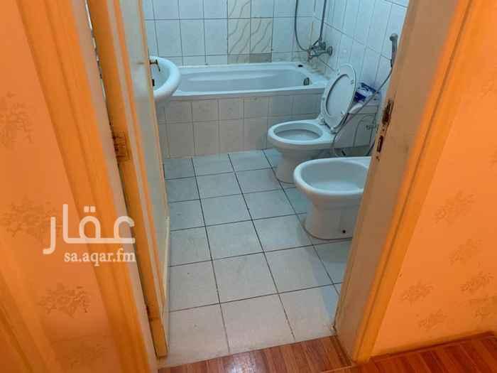 شقة للإيجار في طريق عمر بن عبد العزيز الفرعي ، حي الربوة ، الرياض