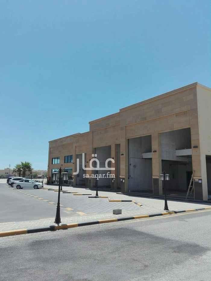 محل للإيجار في شارع منصور الغزال ، حي الشاطئ الغربي ، الدمام