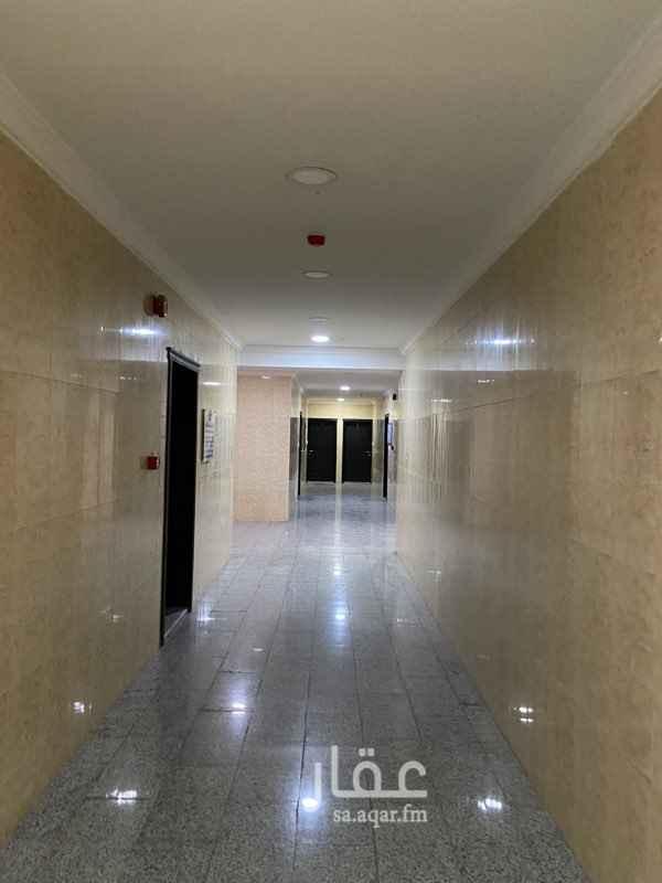 مكتب تجاري للإيجار في الشارع الثامن و العشرون ، حي العزيزية ، الدمام ، الدمام