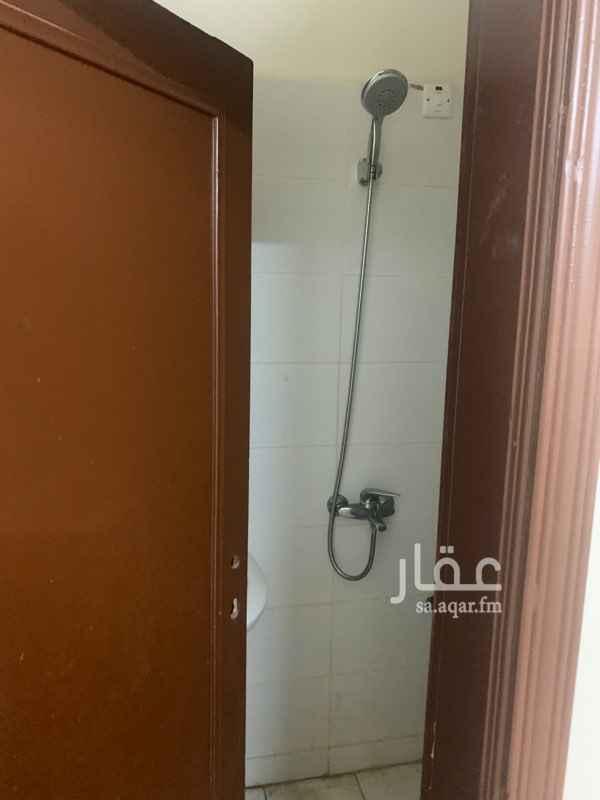 غرفة للإيجار في شارع عبدالله بن حسن ال الشيخ ، حي المصيف ، الرياض