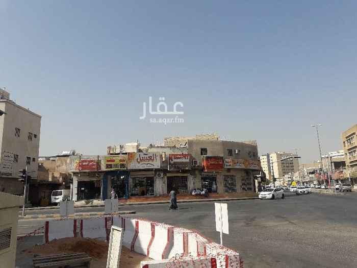 عمارة للبيع في شارع الحله ، حي العود ، الرياض