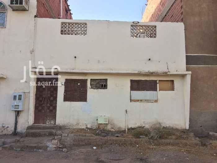 بيت للإيجار في شارع زياد الجندي ، حي بني حارثة ، المدينة المنورة
