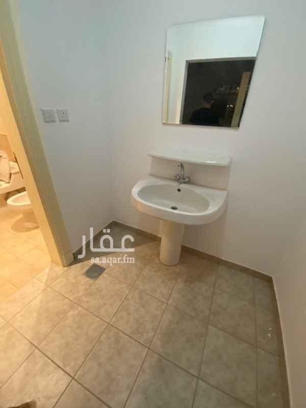 فيلا للإيجار في شارع الامام عبدالله بن ثنيان ال سعود ، حي الربوة ، الرياض ، الرياض
