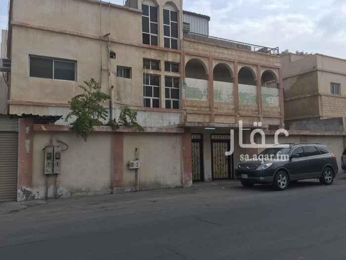بيت للبيع في شارع ابن الحريري ، حي الجلوية ، الدمام