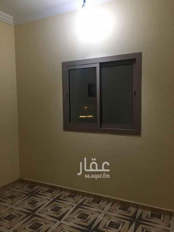 شقة للإيجار في شارع المعهد التجاري ، حي العزيزية ، جدة