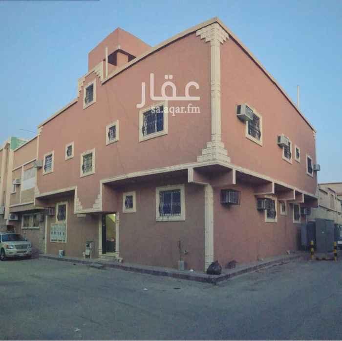 عمارة للبيع في شارع ثلوث ريم ، حي سلطانة ، الرياض