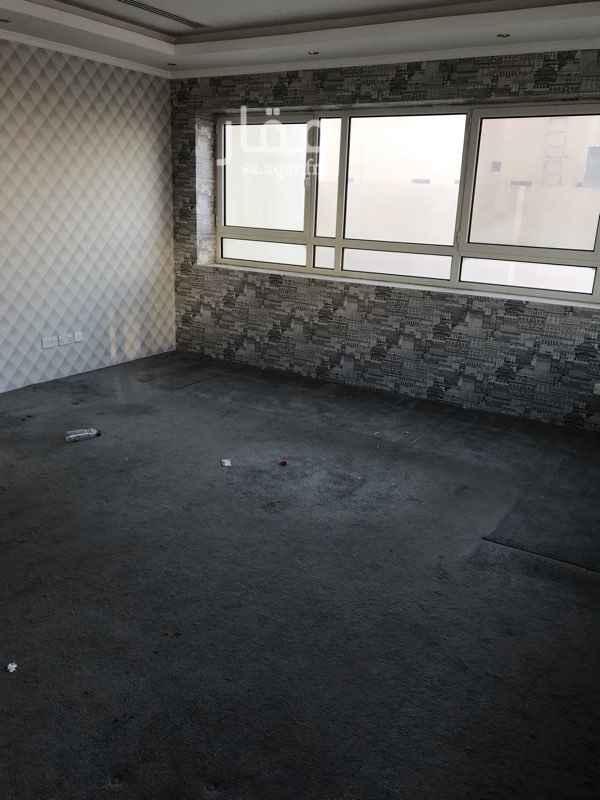 مكتب تجاري للإيجار في شارع ابي الحجاج الموصلي ، الرياض