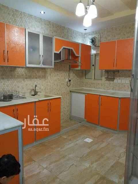 شقة للبيع في شارع المنيني ، حي المروة ، جدة