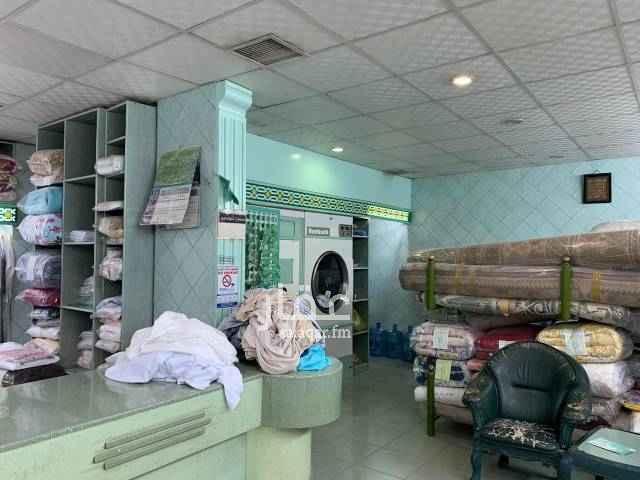 محل للبيع في شارع حفصة بنت عمر ، حي النهضة ، الرياض