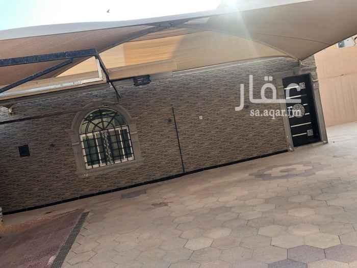 بيت للبيع في شارع توفيق طارق ، حي الملك فهد ، الرياض